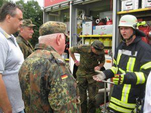 Mit Interesse verfolgten die Reservisten den Vortrag über den Schaumzumischer