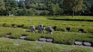 Die Gedenksteine in den Grabfeldern von Costramano wurden gereinigt. (Bild : Minnert)