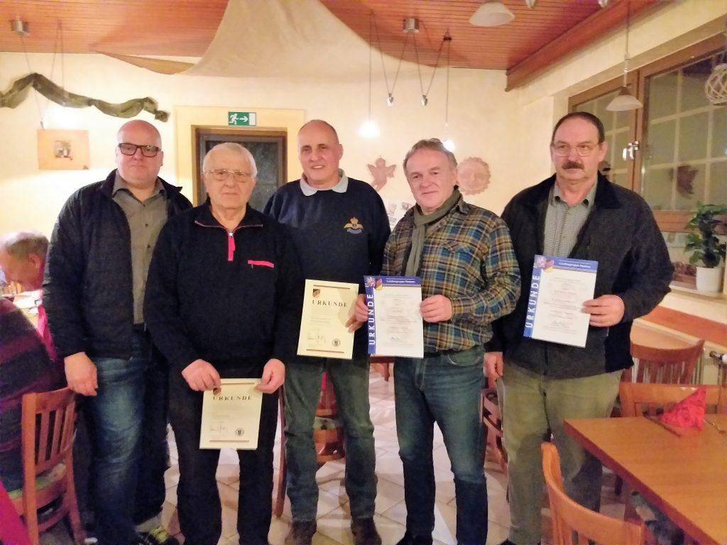 Ehrungen bei der RK Nidda-Nidder (von links): Marco Rinker, Roland Münster, Artur Kaltenschnee, Uwe Weber und Karl Hermann Daubert.
